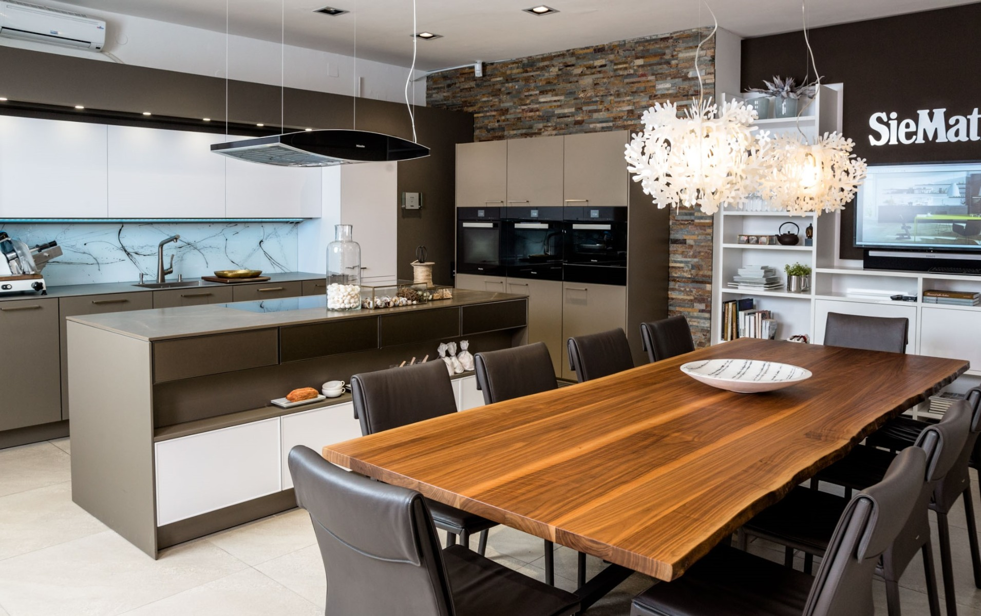SieMatic Küchen bei Miele Center Fasching