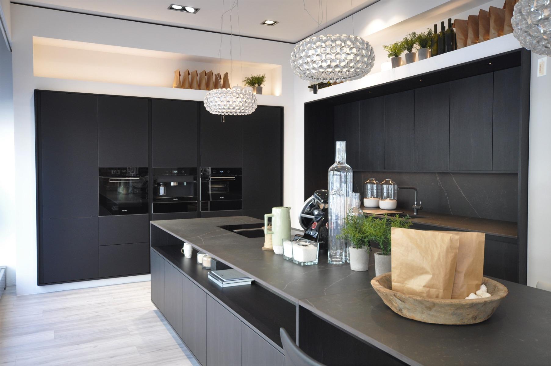 Zeitlose Küchen bei Miele Center Fasching